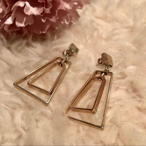 Vintage geometric gold tone earrings ✨